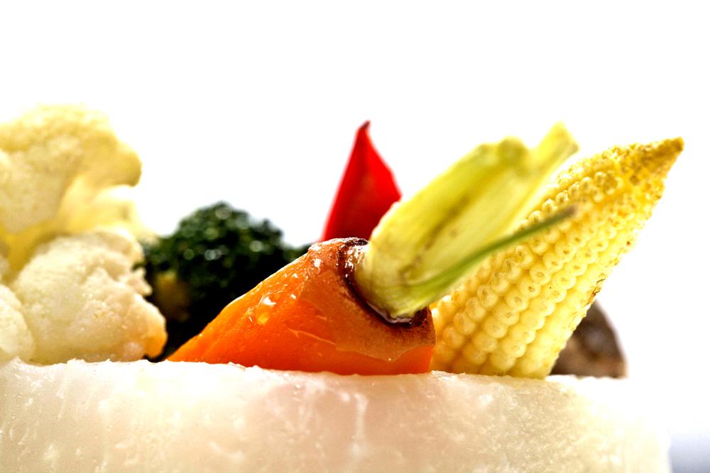 Food_Fotografie_1_Grillen_Exotisch_Vegetrarisch_Möhre_Mais_Brokoli_Tomate_Ralf_Lindenau